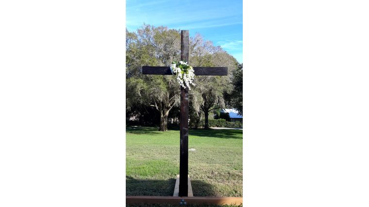 Picture of a 10Ft Wooden Cross