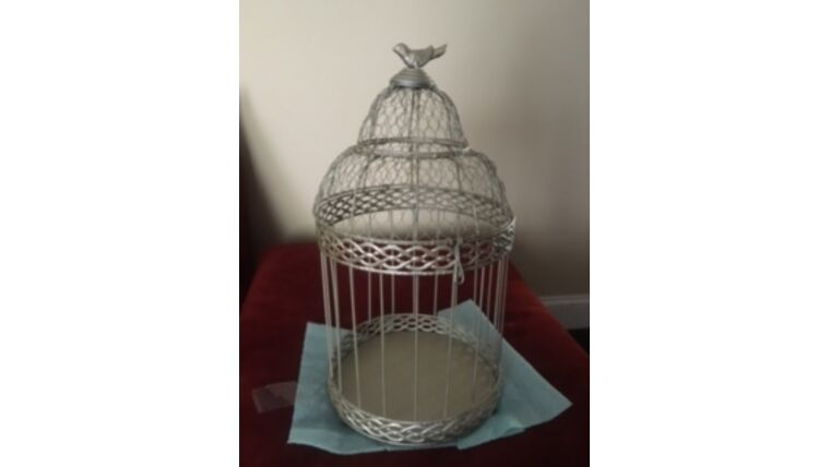 Picture of a Bird Cage Card Holder - Gold
