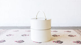 Image of a Mable White Round Hat Box