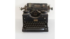 Image of a Vintage Typewriter