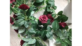 Image of a Burgundy Roses Garland