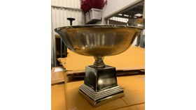 Image of a Aluminum Nickel Square Pedestal Bowl