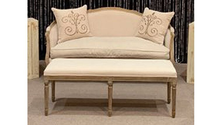 Picture of a Chateau Wood Bench