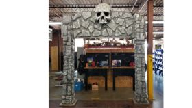 Image of a Skull Entrance Piece
