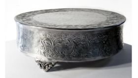 Image of a Aluminum Cake Stand, 18""