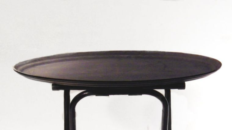 Picture of a Black Oval Non-Skid Serving Tray