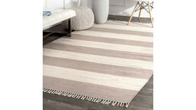 Image of a 5'x7' Rug