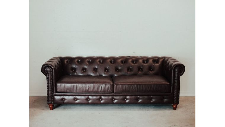 Picture of a Brown Chesterfield Couch
