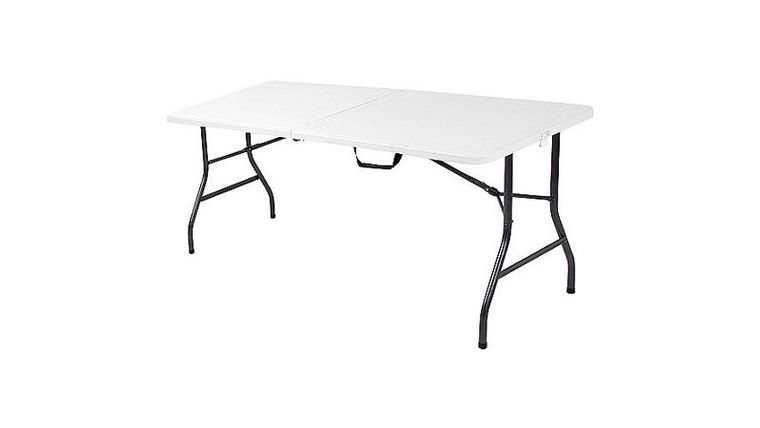 Picture of a 6' rectangle table