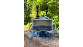 Image of a Blue Cake Stand