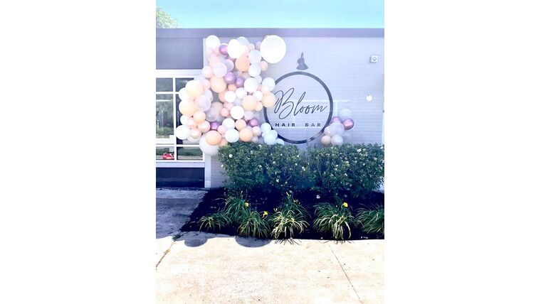 Picture of a 13 ft  Balloon Garland