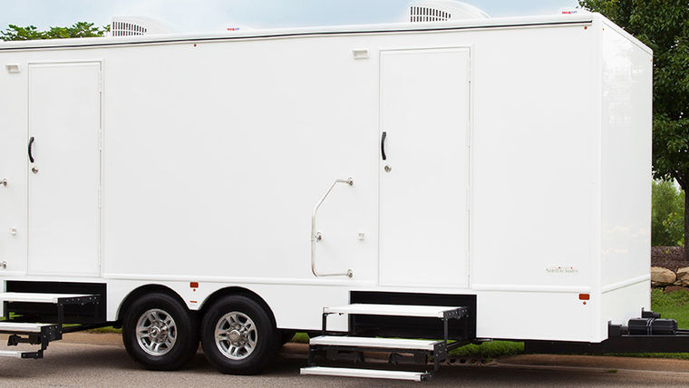 Picture of a 8 Stall White Executive Restroom Trailer w/AC & Heat Rental