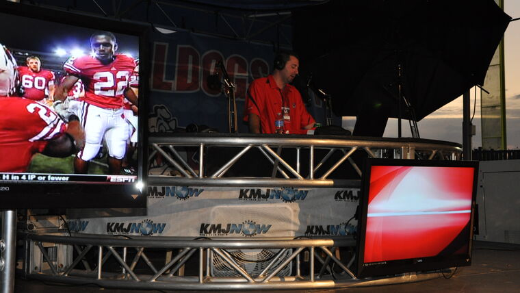 Picture of a 12' Half Circle Broadcast Desk Rental