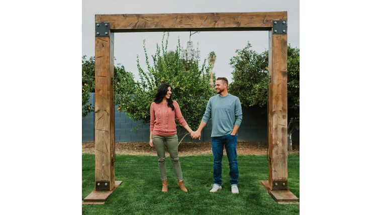 Picture of a 10' x 10' Rustic Wood Frame Arch