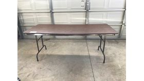 Image of a 6 Foot table