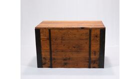 Image of a Wooden Trunk