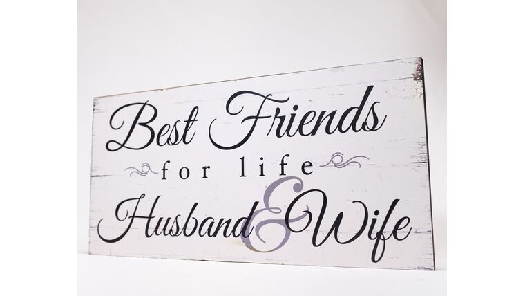 "Picture of a ""Best Friends for life Husband & Wife"" Sign - Whitewash/Black Print"
