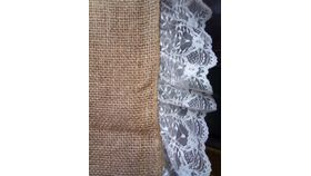 """Image of a Burlap w/L4"""" Lace Edging Runners"""