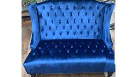 Image of a Blue Velvet Sette