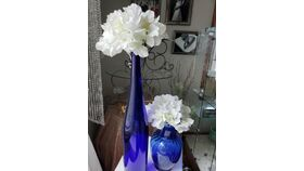 "Image of a Blue Glass Vase 18"" w/ 10"" Blue Vase and White Hydrangeas Flower Toppers"