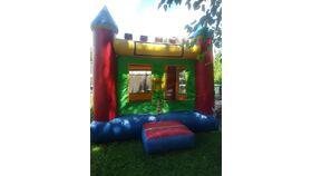 Image of a Castle Bounce House