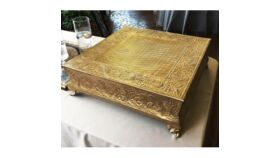 """Image of a 19"""" Square Silver/Gold Cake Stand Accessories"""