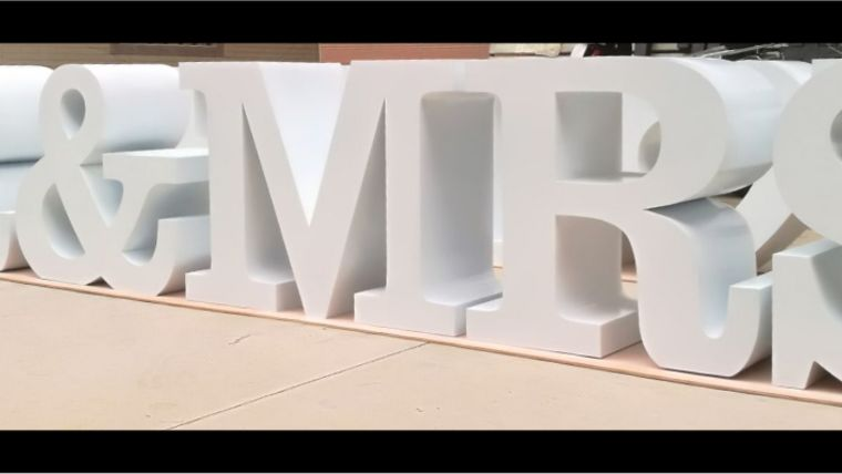 """Picture of a """"MR & MRS"""" Letter Table"""
