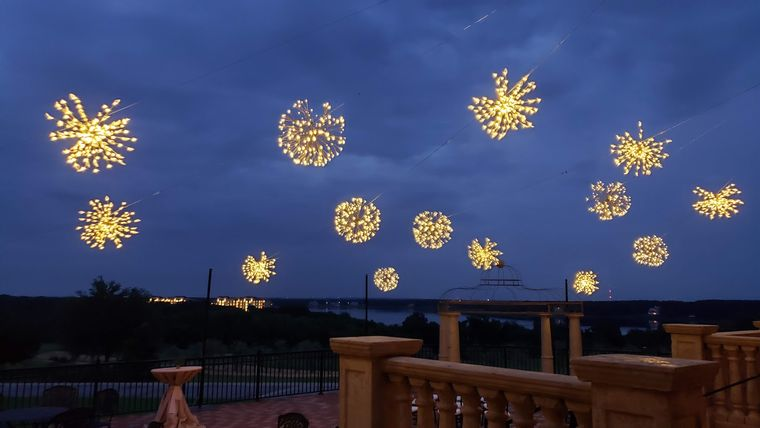 Picture of a BC - Ballroom Patio, Special - GOLDEN STARBURSTS