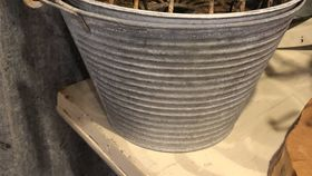 Image of a Buckets w/ handles galvanized