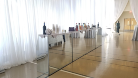 Image of a 4' Mirrored Foldable Bar