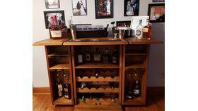 Image of a Oak Bar