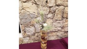 "10"" Wood Slab w/ 12"" Clear Glass Hurricane Vase 6 3"" Small Glass Votives w/ Real Candles image"