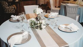 Image of a Baby Blue/Silver/White 8 Person Table Setting