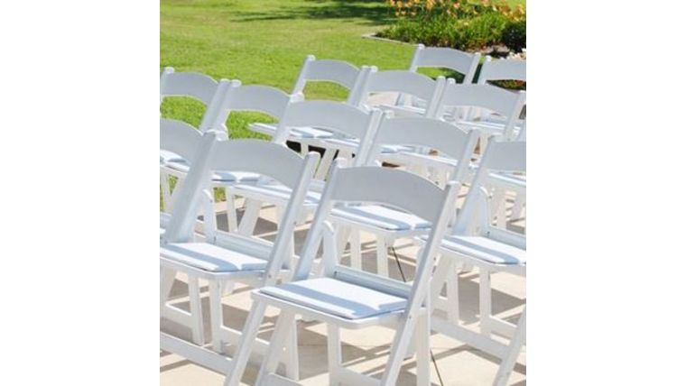 Picture of a White Folding Garden Chairs