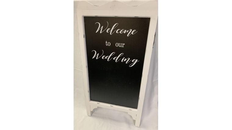 """Picture of a """"Welcome to our Wedding"""" Chalkboard (O)"""