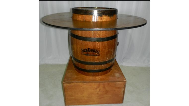 Picture of a Barrel-Whiskey-Donut Ring Top