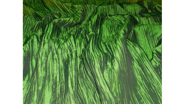 Picture of a 100x100 Green Grass Bark