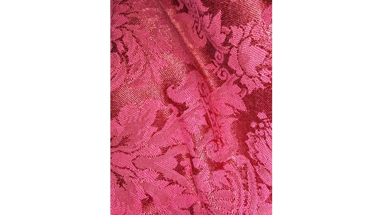 """Picture of a 108""""R Burgundy Damask"""