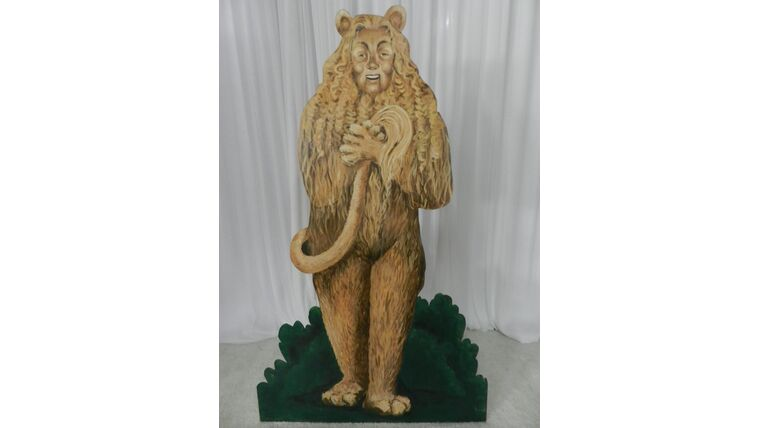 Picture of a Cowardly Lion Cutout