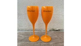 Image of a Veuve Champagne Flutes