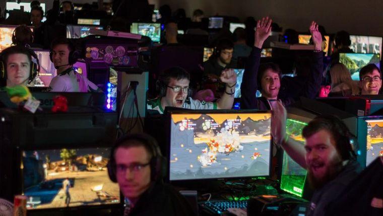 Picture of a LAN Party Rocket League