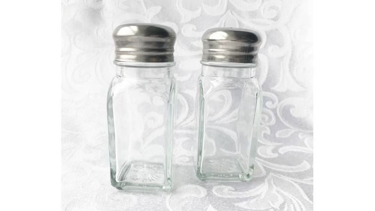 Picture of a Salt and Pepper Shaker Set (empty)