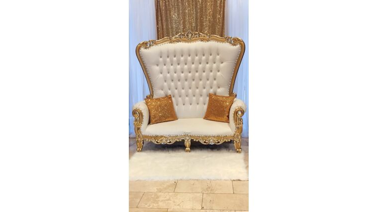 Picture of a GOLD/WHITE LOVE SEAT