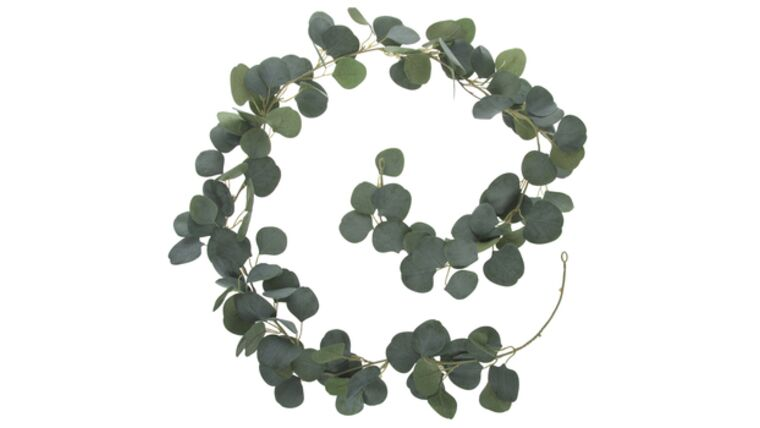 Picture of a Eucalyptus Leaf Garland
