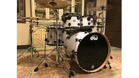 Image of a Drum Kit - DW Collector Edition Pro