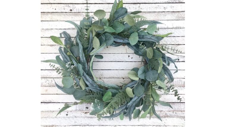 Picture of a Round Thick Eucalyptus Garland