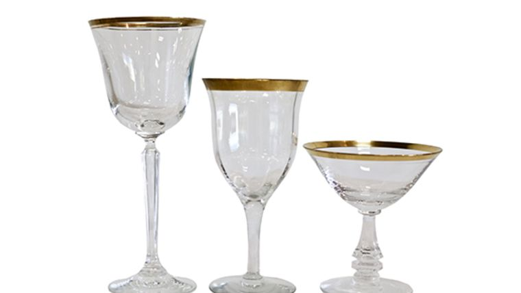 Picture of a Wine Goblet, Clear Glass - Gold Rim