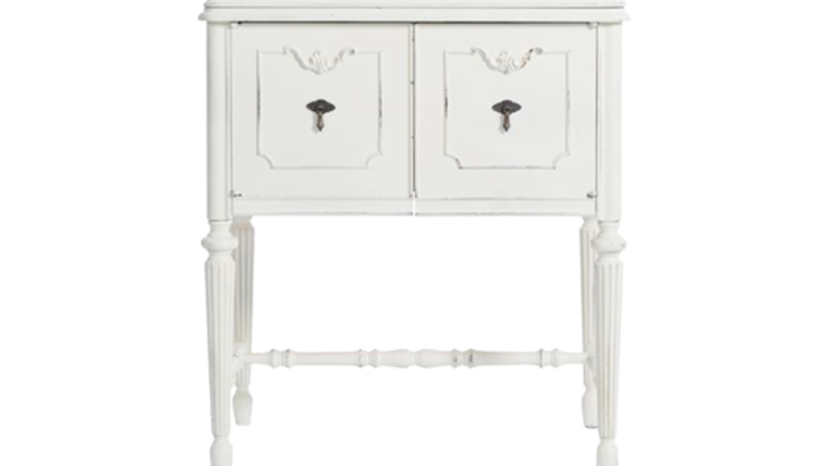 Picture of a Cabinet, Agatha