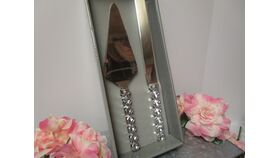 Image of a Silver Bling Cake Serving Set