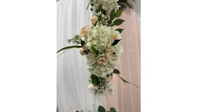 """Image of a Arch Floral - White/Blush Small 11""""x22"""""""